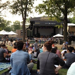 Photo taken at Celebrate Brooklyn!/Prospect Park Bandshell by Arnoldo rL on 7/31/2012