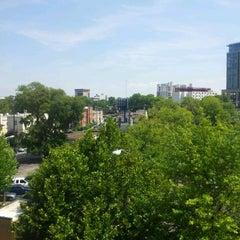 Photo taken at Hilton Garden Inn by RyTheNewsGuy on 8/8/2012