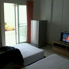 Photo taken at Jomtien hostel by Ian L. on 5/16/2012