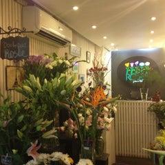 Photo taken at Rosèe by Javiera H. on 3/21/2012