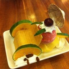 Photo taken at Fanny Ice Cream by Yuki N. on 8/13/2012