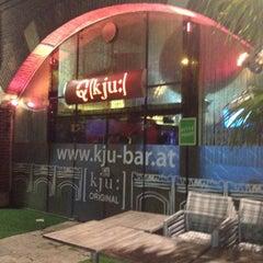 Das Foto wurde bei Q - KJU-Bar von Janet A. am 7/7/2012 aufgenommen