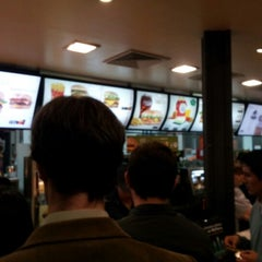 Photo taken at McDonald's by Pablo Alejandro C. on 8/10/2012