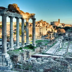Photo taken at Foro Romano by VacazionaViajes on 8/31/2012