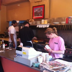 Photo taken at The Uptowner Cafe on Grand by Kjosy on 4/15/2012