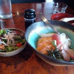 Photo taken at Toshiya Restaurant by Edward L. on 5/5/2012