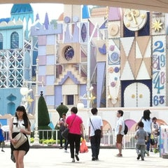 Photo taken at It's a Small World 小小世界 by noOMniM N. on 4/14/2012