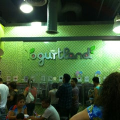 Photo taken at Pinkberry by Abby O. on 8/20/2012