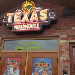 Photo taken at Texas Roadhouse by Caley W. on 3/18/2012