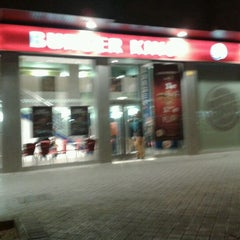 Photo taken at Burger King by Ilde D. on 3/2/2012