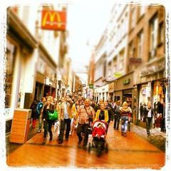 Photo taken at Burger King by Ria B. on 7/14/2012