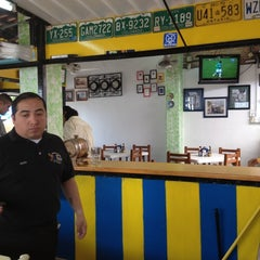 Photo taken at Las 8 tostadas by Daniel A. on 3/29/2012