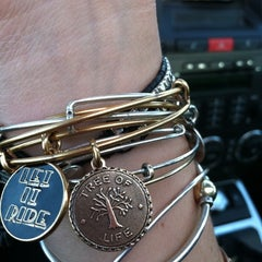 Photo taken at ALEX AND ANI Newport by JessiBarbieDoll on 3/8/2012