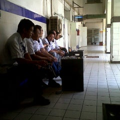 Photo taken at Loading Dock HRHB by Agung S. on 2/16/2012