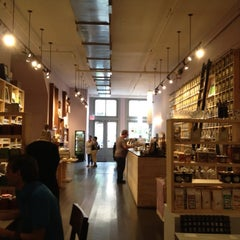 Photo taken at Harney & Sons by Omar Q. on 8/7/2012