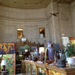Photo taken at vintage bank antiques by Gary G. on 4/1/2012