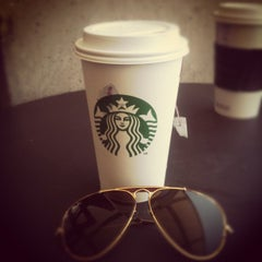 Photo taken at Starbucks by Santiago H. on 4/24/2012