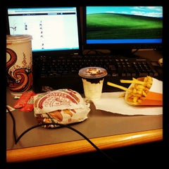 Photo taken at Burger King by Adrián M. on 4/26/2012