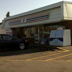 Photo taken at 7-Eleven by Adam Robert B. on 5/17/2012
