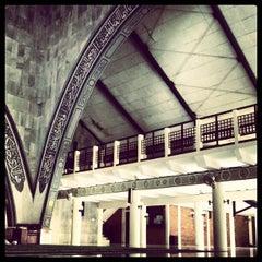 Photo taken at Masjid Ukhuwah Islamiyah (Mesjid UI) by Agung X. on 8/18/2012