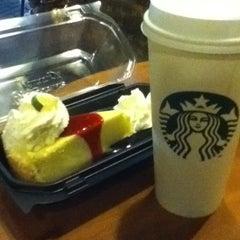 Photo taken at Starbucks by Xian L. on 5/26/2012