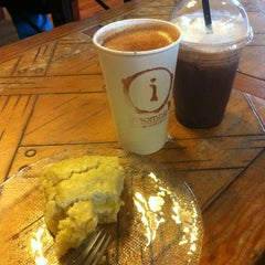 Photo taken at Insomnia Coffee Company by Tim R. on 3/10/2012