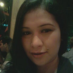 Photo taken at T.G.I. Friday's by Charming A. on 5/9/2012