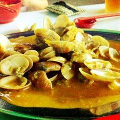 Photo taken at Restoran Mei Yen (美圆茶餐室) by Rebecca on 7/4/2012