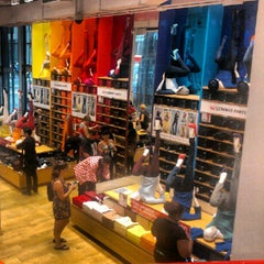 Photo taken at UNIQLO 5th Ave by Rico A. on 9/2/2012
