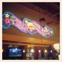 Photo taken at Red Robin Gourmet Burgers by Shaun D. on 5/18/2012