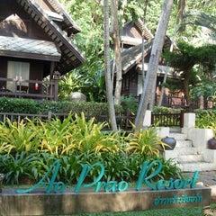 Photo taken at Ao Prao Resort (อ่าวพร้าว รีสอร์ท) by Jub W. on 5/26/2012