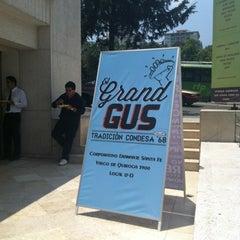 Photo taken at El Gran Gus (Tacos) by Balder R. on 4/16/2012