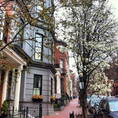 Photo taken at Beacon Hill by Enrique B. on 3/25/2012