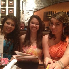 Photo taken at LongHorn Steakhouse by Veronica G. on 5/5/2012