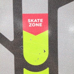 Photo taken at SKATEBOARDSOK by Toy on 8/26/2012