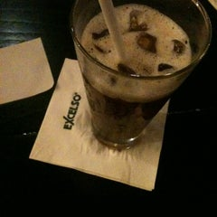 Photo taken at de`EXCELSO by Cindy T. on 4/21/2012