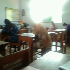 Photo taken at Kelas XI IPA 8 SMA 1 Pati by taufan w. on 5/20/2012
