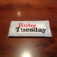Photo taken at Ruby Tuesday by Keren T. on 3/21/2012