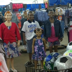 Photo taken at Old Navy by Mark F. on 4/1/2012