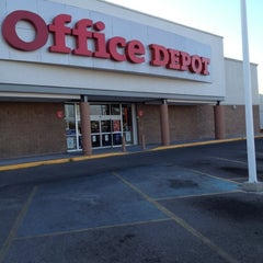Photo taken at Office Depot by enrique f. on 7/4/2012