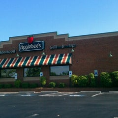 Photo taken at Applebee's by Nita S. on 8/25/2012