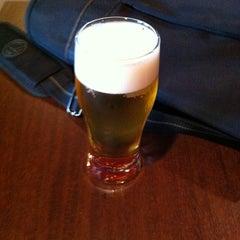 Photo taken at まるでだめなおとなの Cafe&Bar (まだおカフェ) by kaz_ t. on 5/27/2012