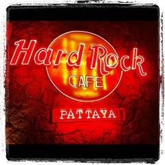 Photo taken at Hard Rock Cafe Pattaya by Pikkie W. on 5/7/2012
