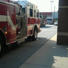 Photo taken at Food Lion Grocery Store by Daniel M. on 7/18/2012