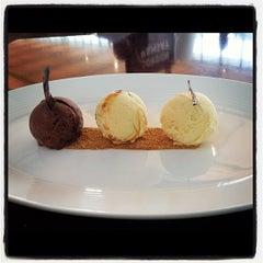 Photo taken at Gordon Ramsay Plane Food by Alberto L. on 9/1/2012
