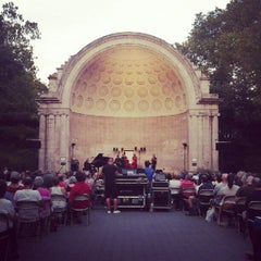 Photo taken at Naumburg Bandshell by Farah on 8/7/2012