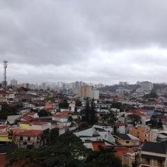 Photo taken at Jardim da Glória by Nelson R. on 8/10/2012