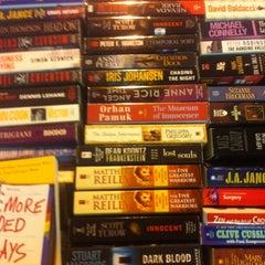 Photo taken at Jarir Bookstore | مكتبة جرير by Ruel D. on 8/22/2012