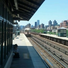 Photo taken at Metro North - Harlem 125th Station by Ami on 6/23/2012