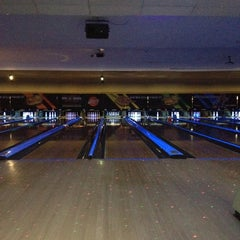 Photo taken at AMF 34th Avenue Lanes by Jeremy J S. on 4/14/2012